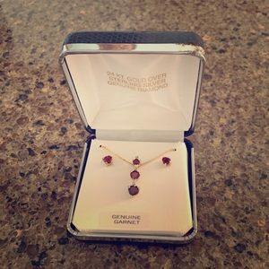 24 kr over genuine silver garnet set